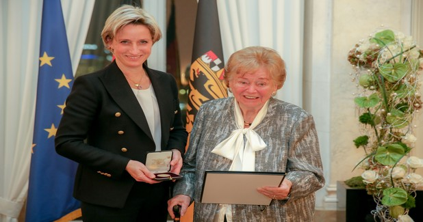 Ursula Ida Lapp of Lapp Group, receives the business medal in Germany