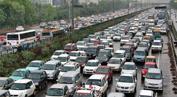 Diesel taxi ban in Delhi won´t hit PSU refineries | Pradhan
